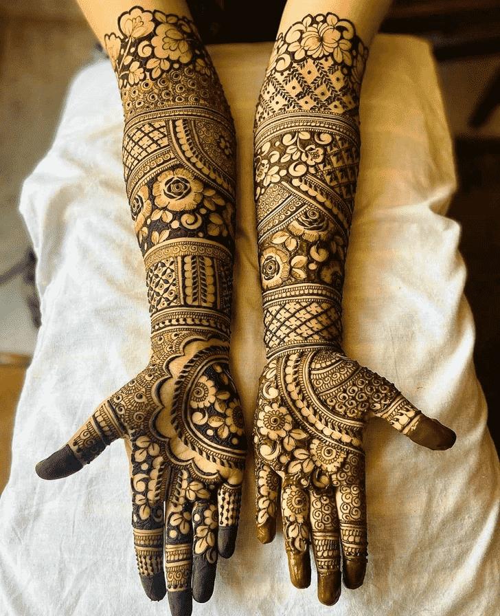 Admirable Simple Mehndi design