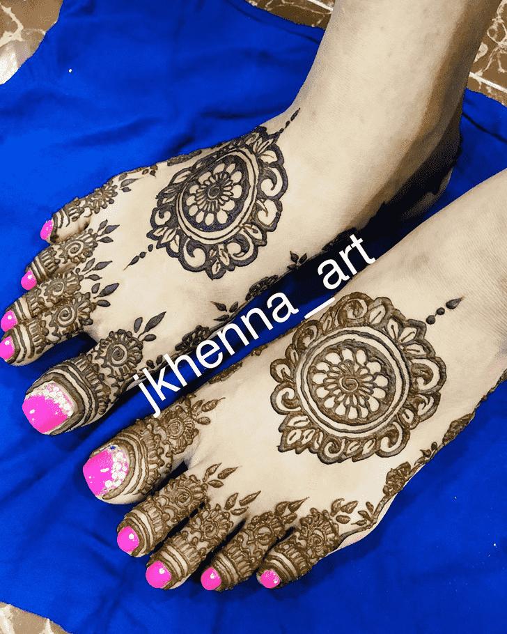 Adorable Solang Valley Henna Design