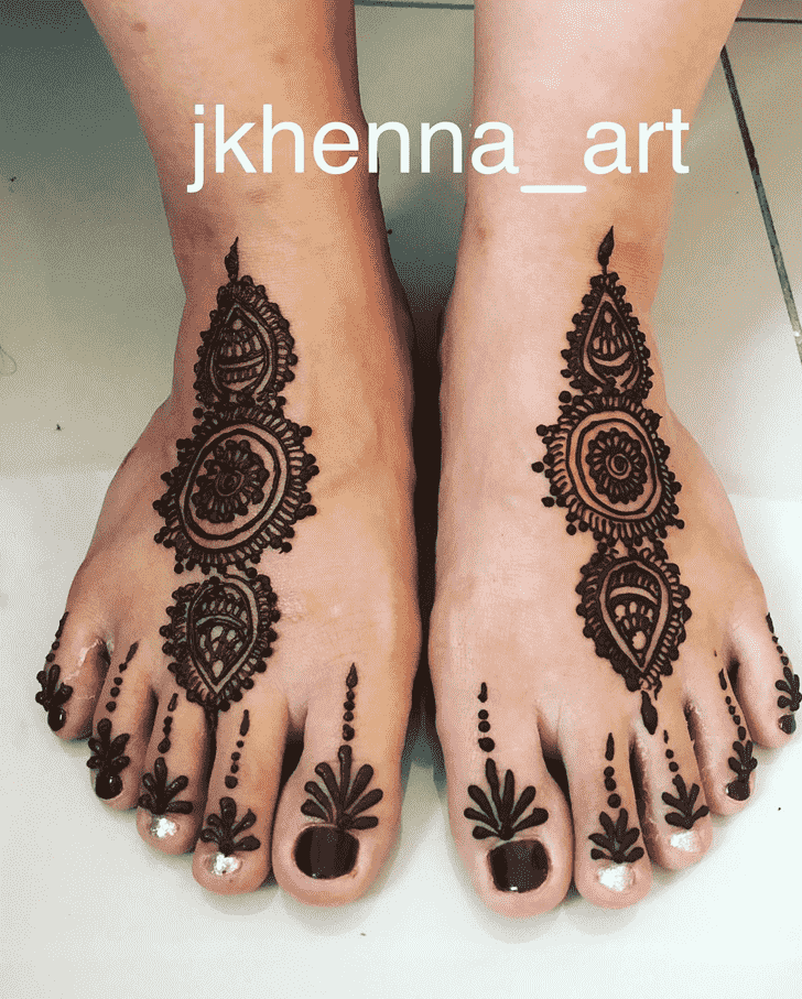 Angelic Solang Valley Henna Design