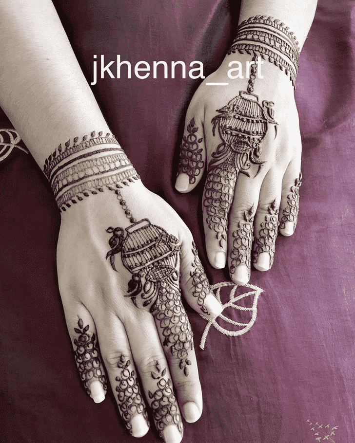 Bewitching Solang Valley Henna Design