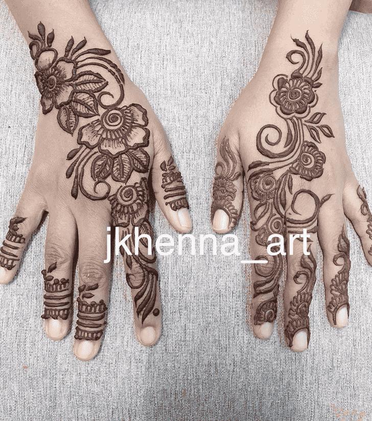 Classy Solang Valley Henna Design