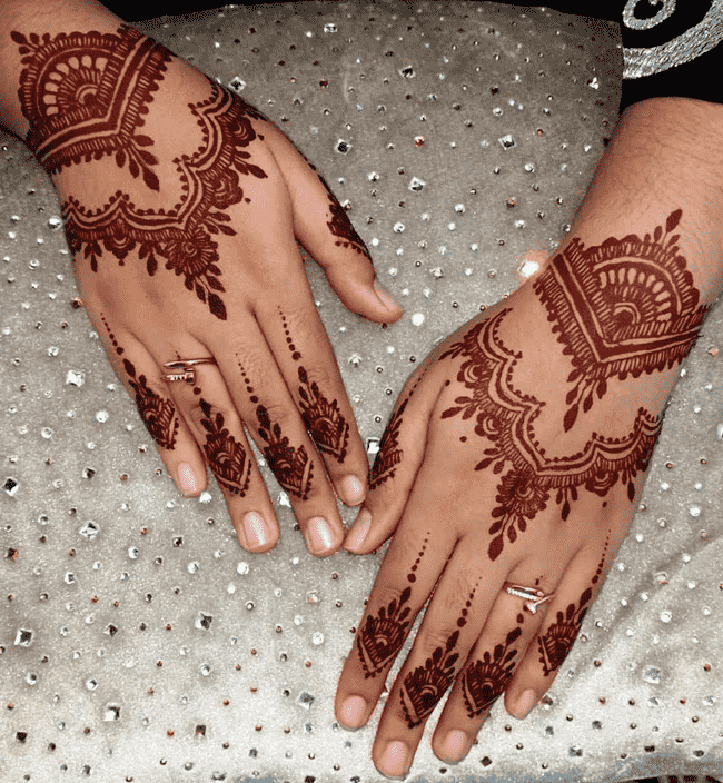 Charming South Indian Henna Design
