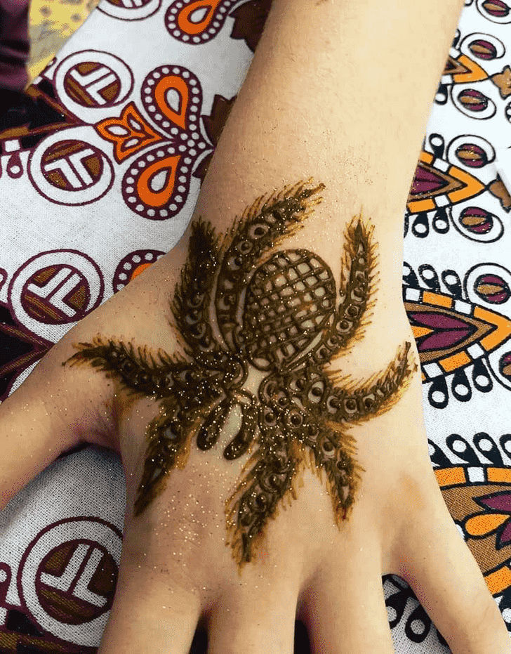 Inviting Spider Henna design