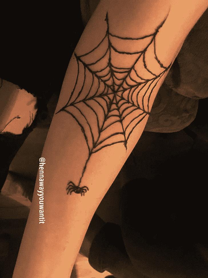 Shapely Spider Henna design