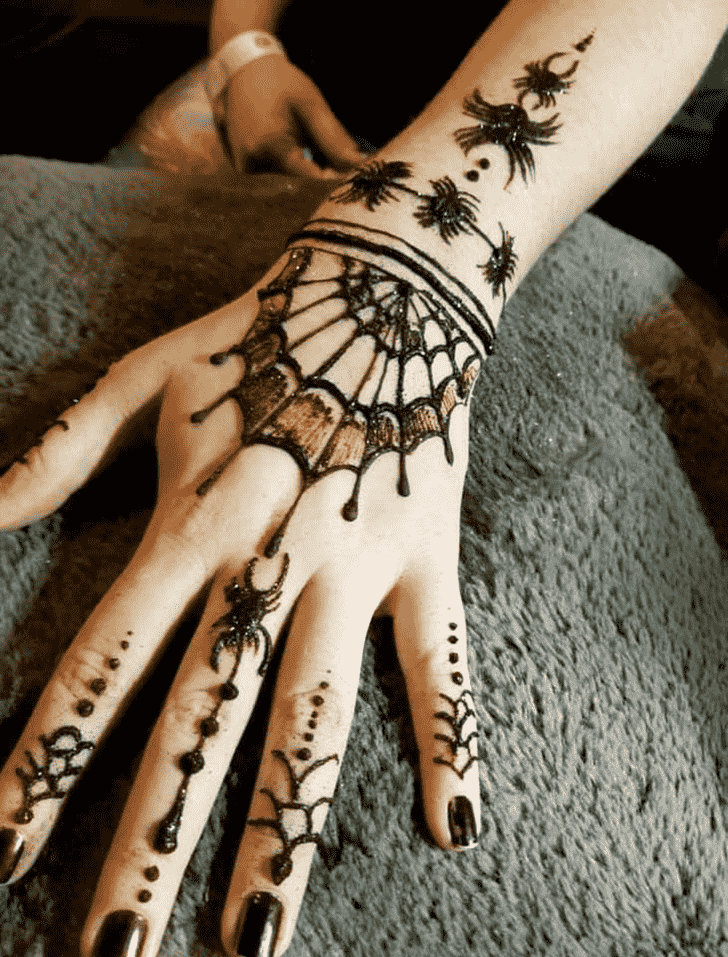 Superb Spider Henna design