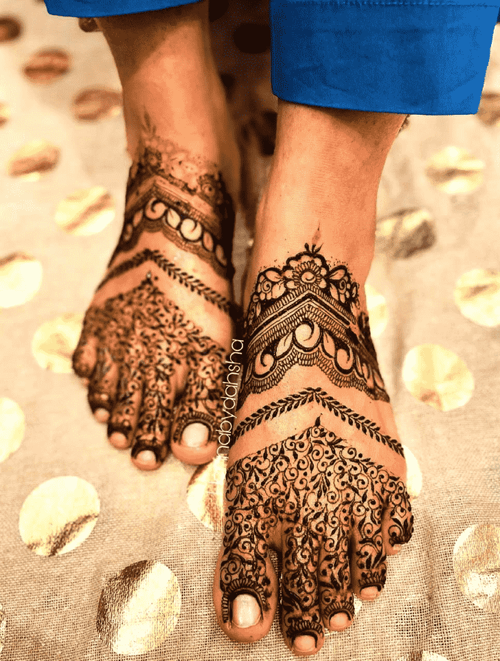 Adorable Stunning Henna design