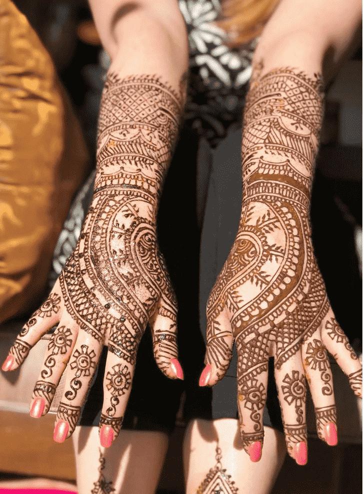 Bewitching Stunning Henna design