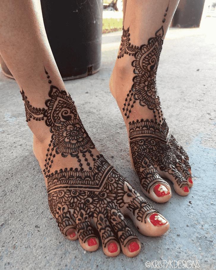 Classy Stunning Henna design