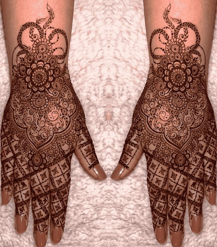 Beauteous Stylish Henna Design