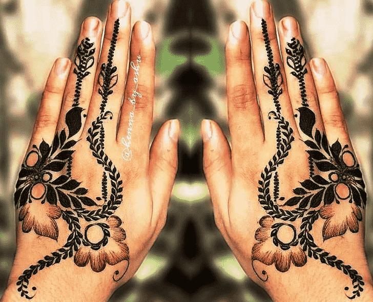 Charming Stylish Henna Design