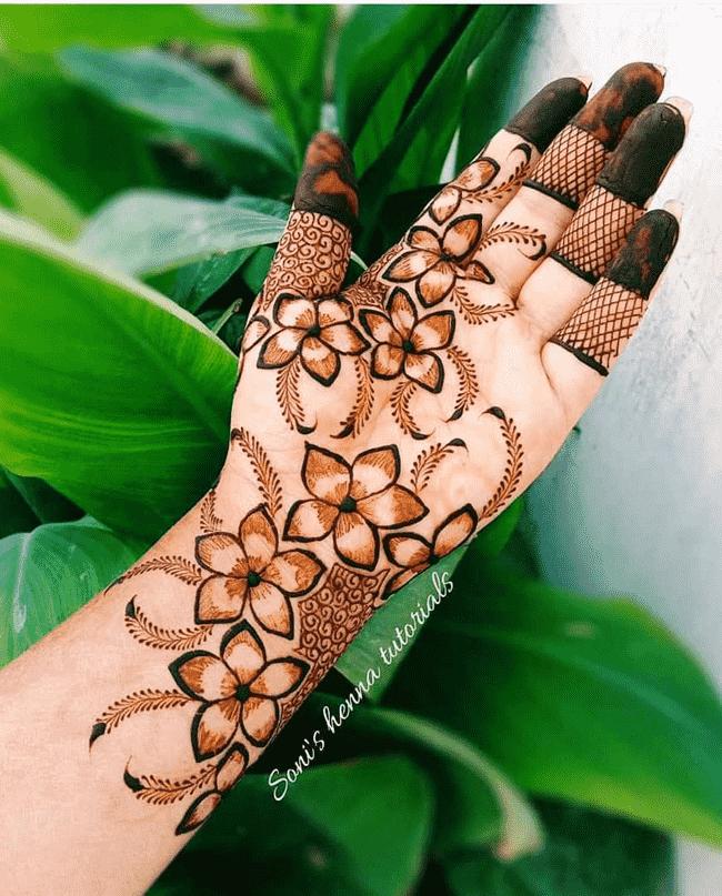 Adorable Sukkur Henna Design
