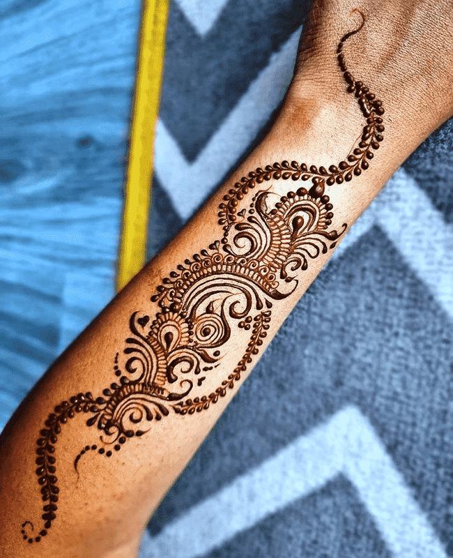 Alluring Sukkur Henna Design