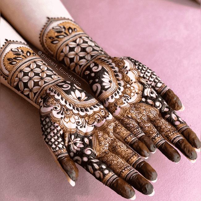 Captivating Sukkur Henna Design
