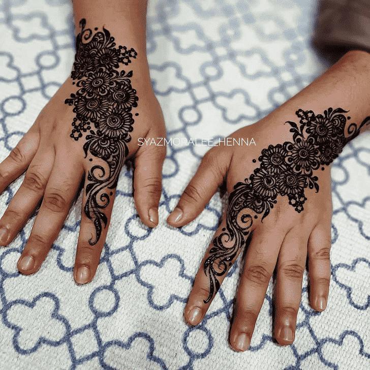 Classy Surat Henna Design