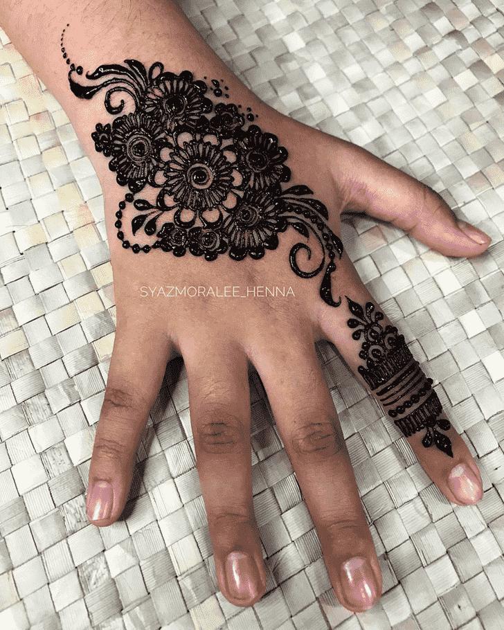 Enticing Surat Henna Design
