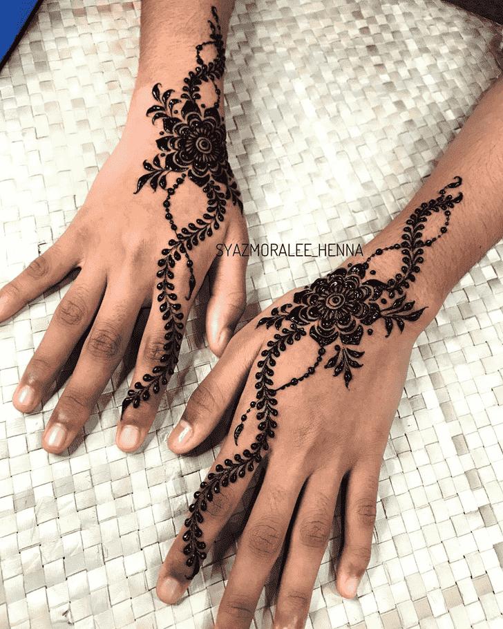 Exquisite Surat Henna Design