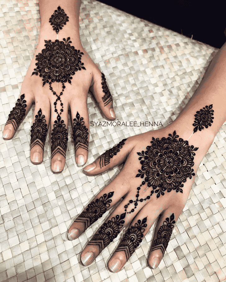 Fetching Surat Henna Design