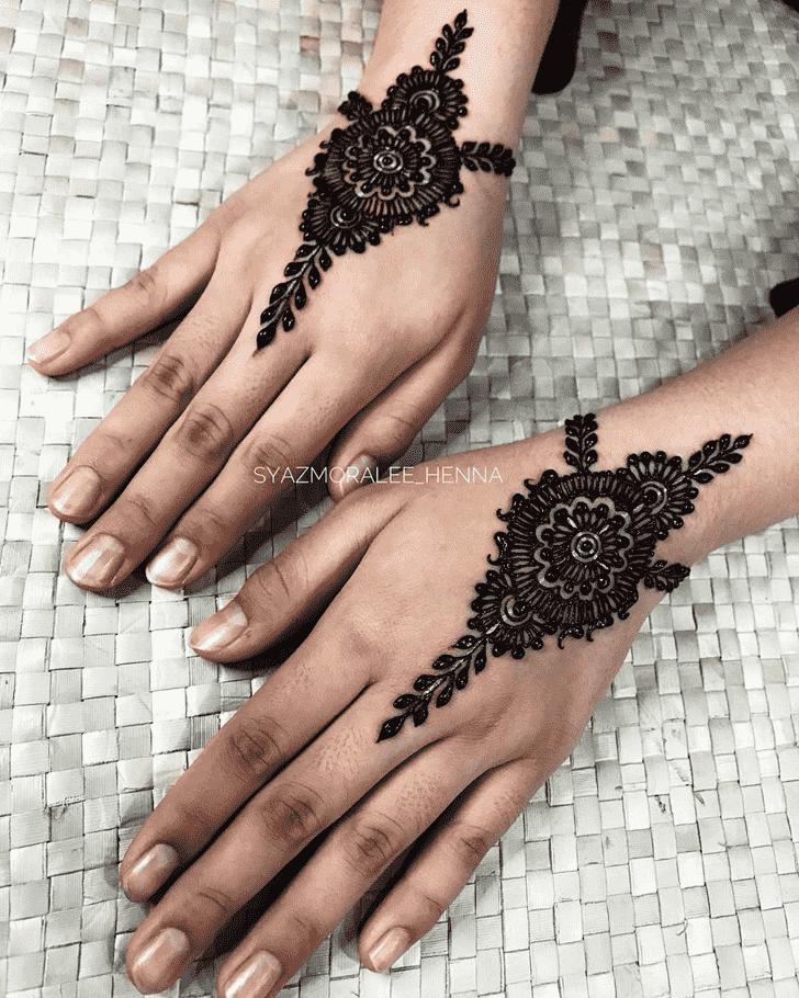 Gorgeous Surat Henna Design
