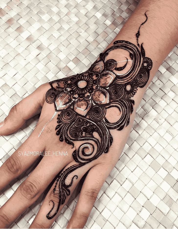 Inviting Surat Henna Design