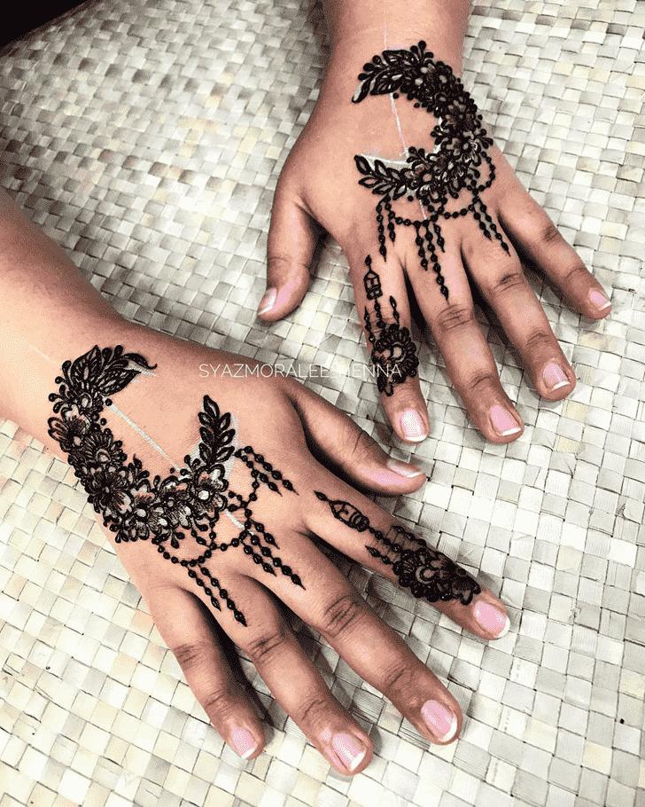 Mesmeric Surat Henna Design