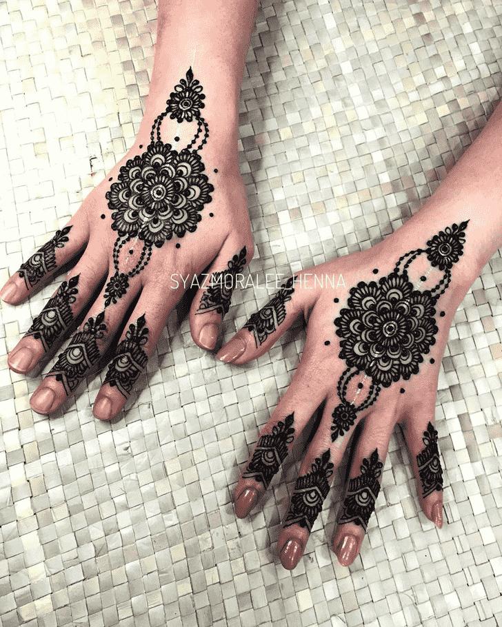 Ravishing Surat Henna Design