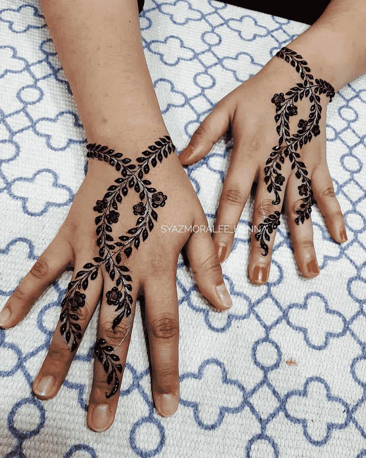 Slightly Surat Henna Design