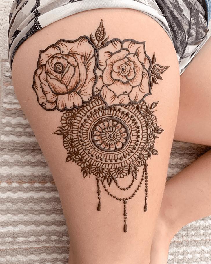 Beauteous Thigh Henna Design