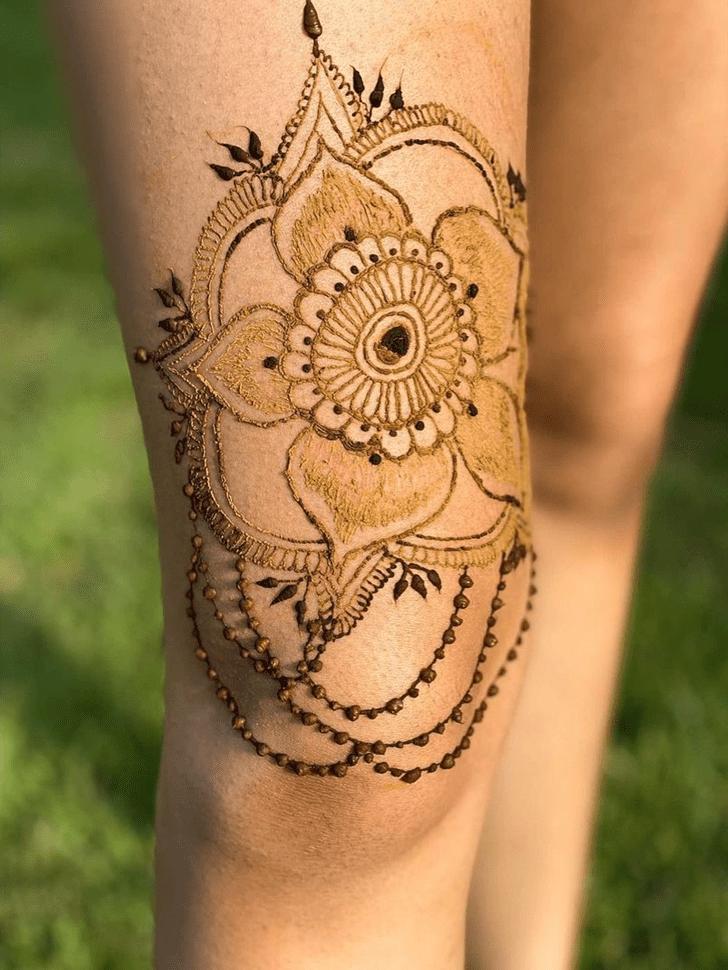 Bewitching Thigh Henna Design