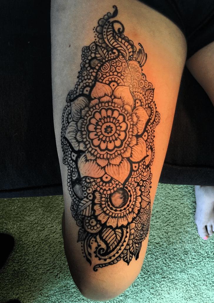 Ravishing Thigh Henna Design
