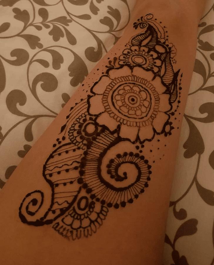 Stunning Thigh Henna Design