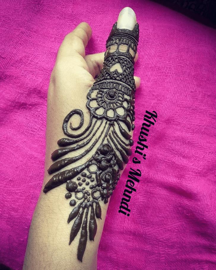 Appealing Thumb Henna Design Circle
