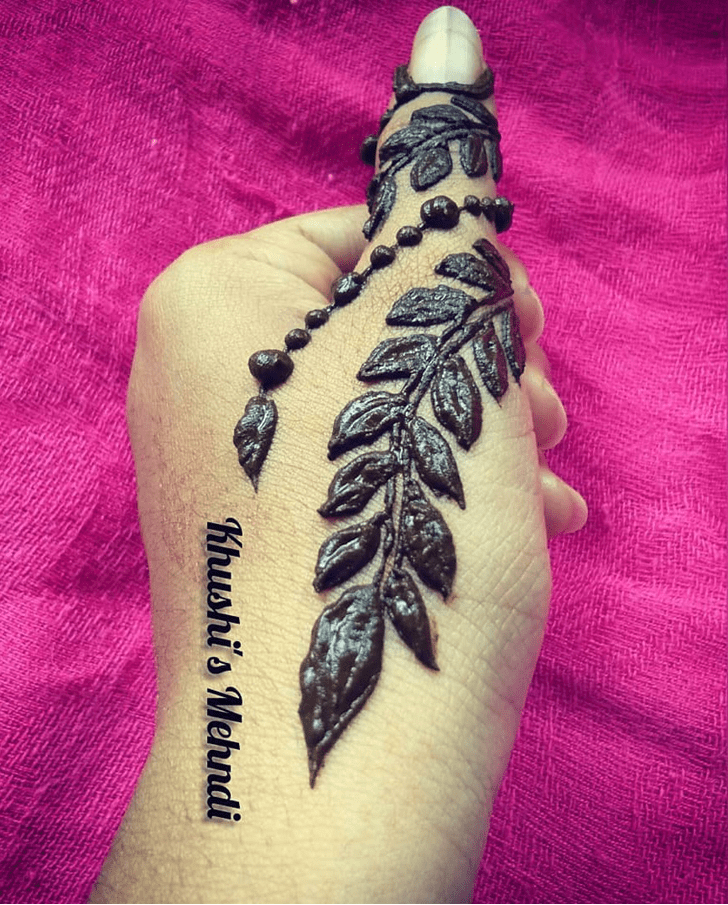 Beauteous Thumb Henna Design Floral