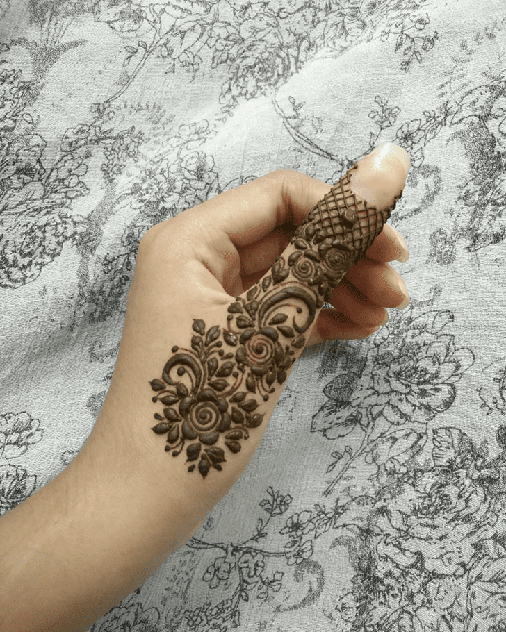 Excellent Thumb Henna Design