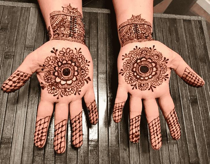 Alluring Tikki Henna Design