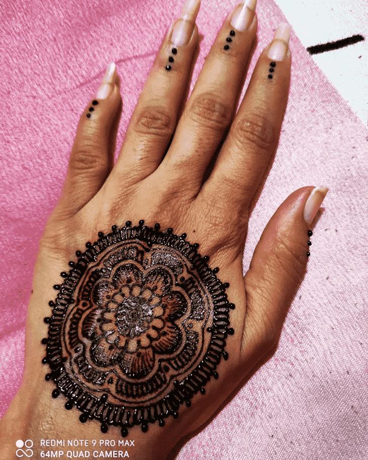 Charming Tikki Henna Design