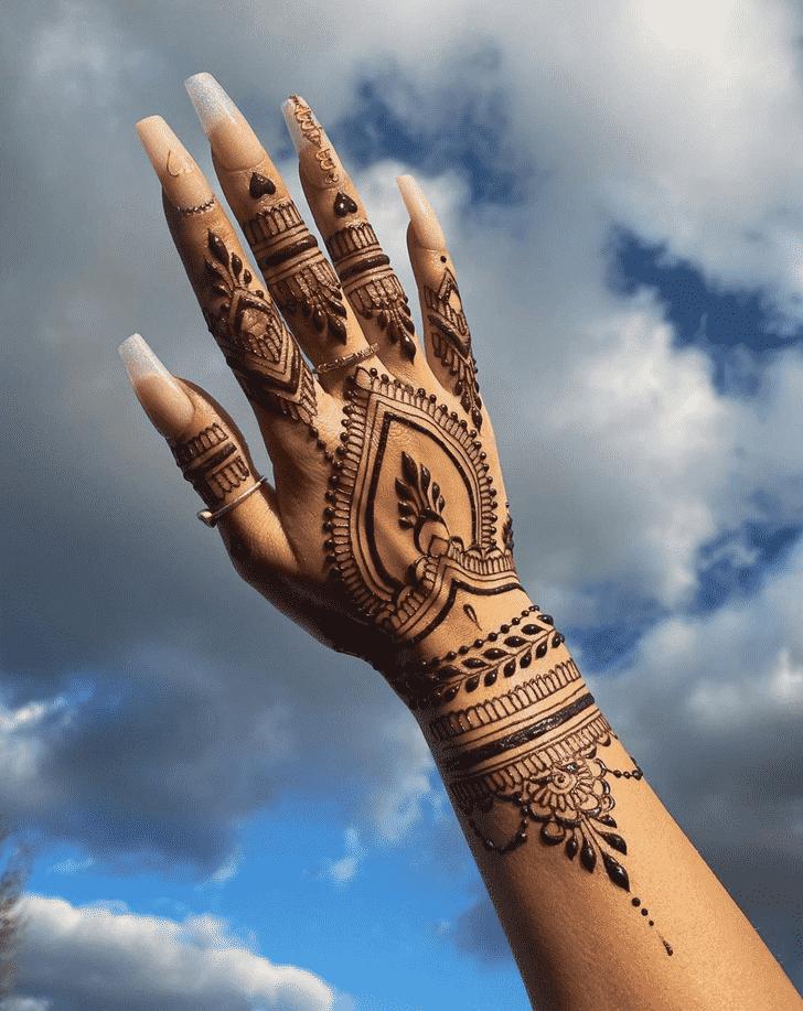 Adorable Tiruchirappalli Henna Design
