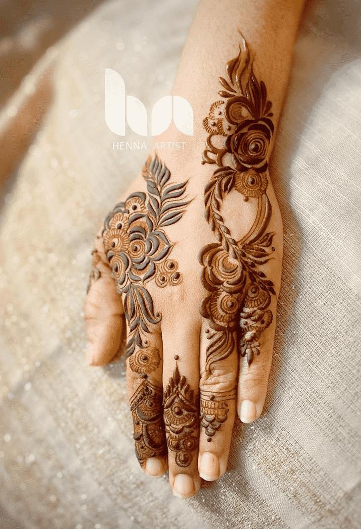 Classy Tiruchirappalli Henna Design