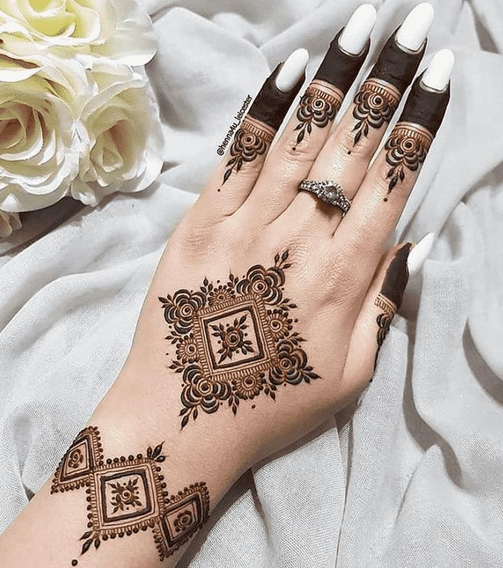 Dazzling Tiruchirappalli Henna Design