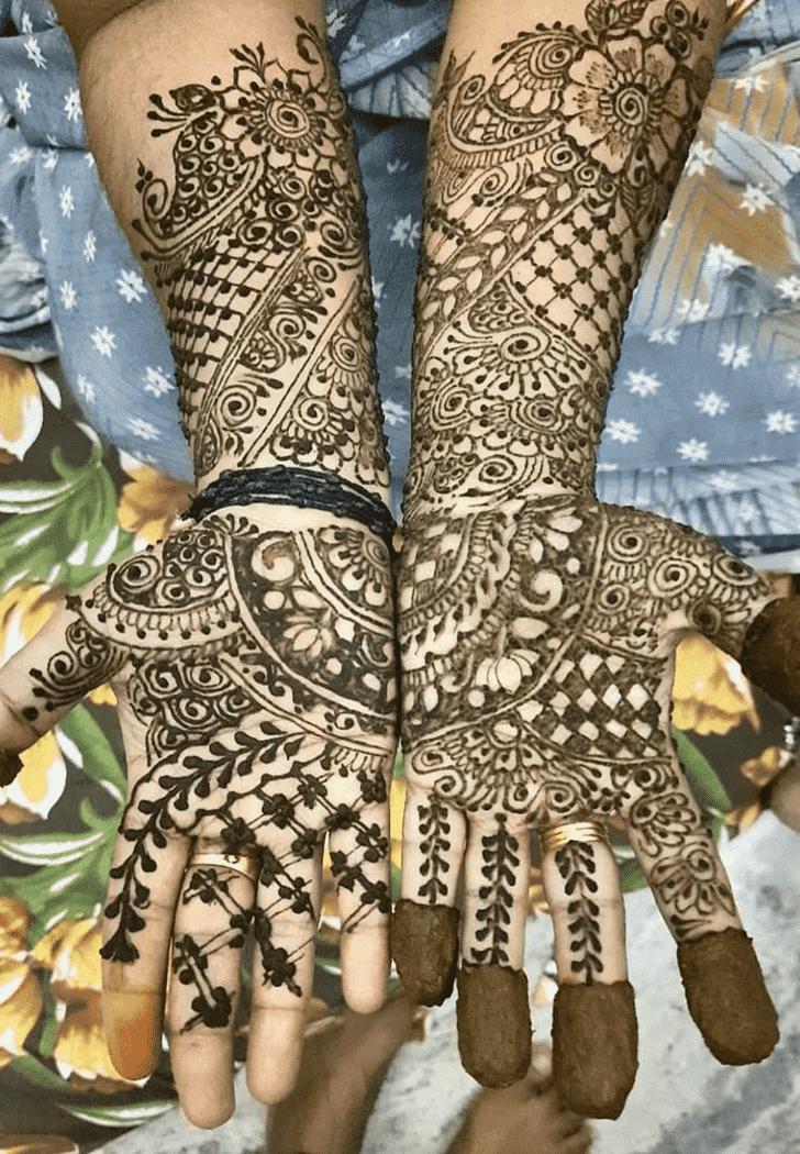 Delicate Tiruchirappalli Henna Design