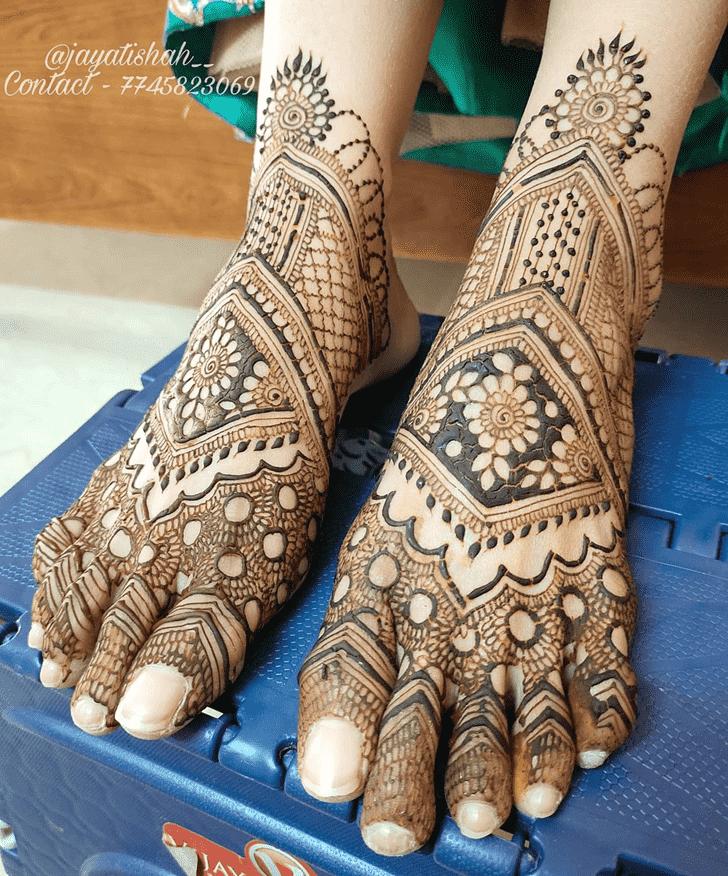 Elegant Tiruchirappalli Henna Design