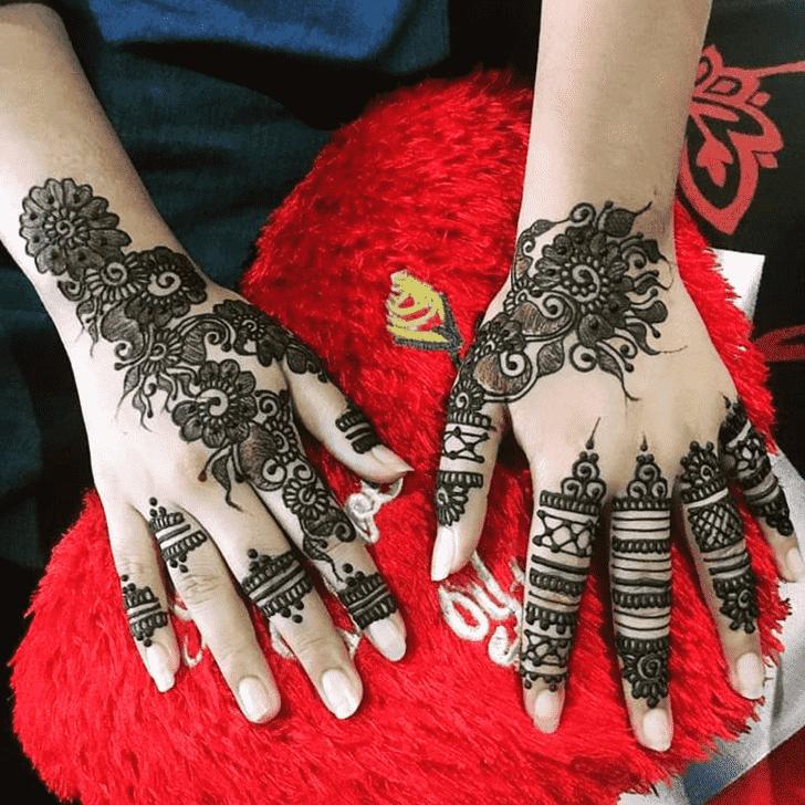 Fascinating Tiruchirappalli Henna Design