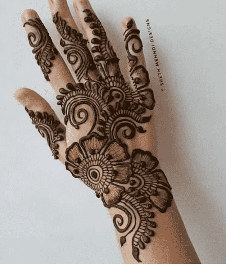 Fine Tiruchirappalli Henna Design