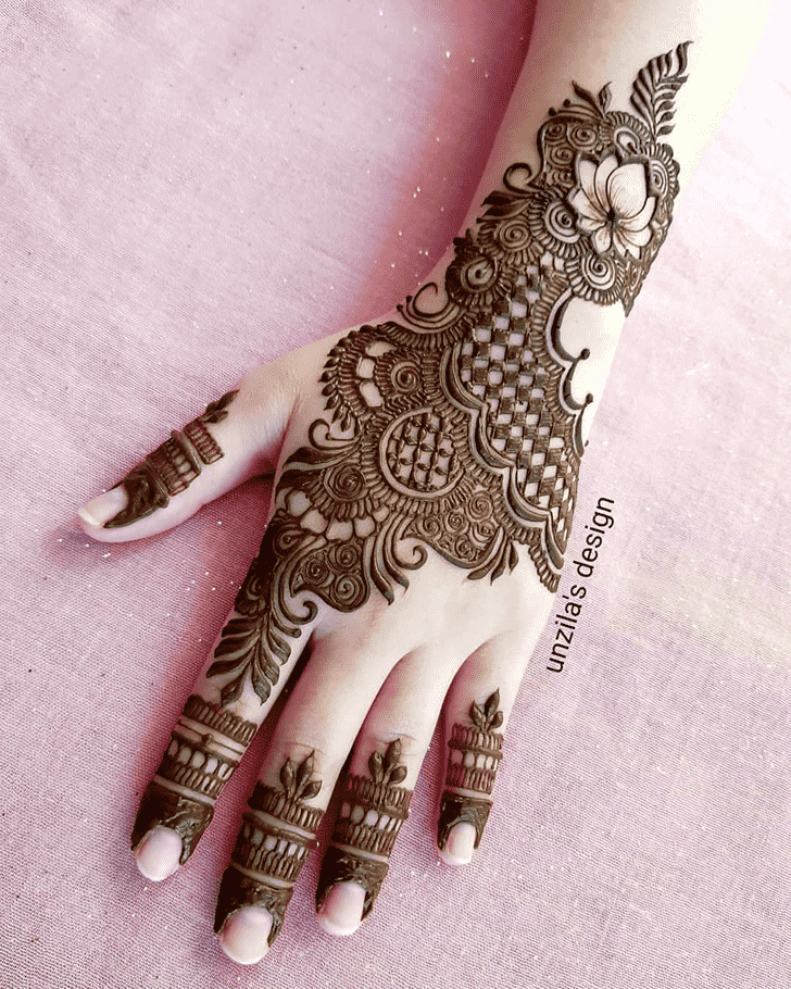 Good Looking Tiruchirappalli Henna Design