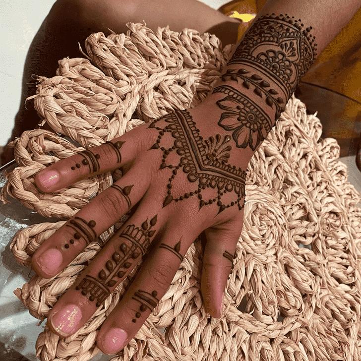 Ideal Tiruchirappalli Henna Design