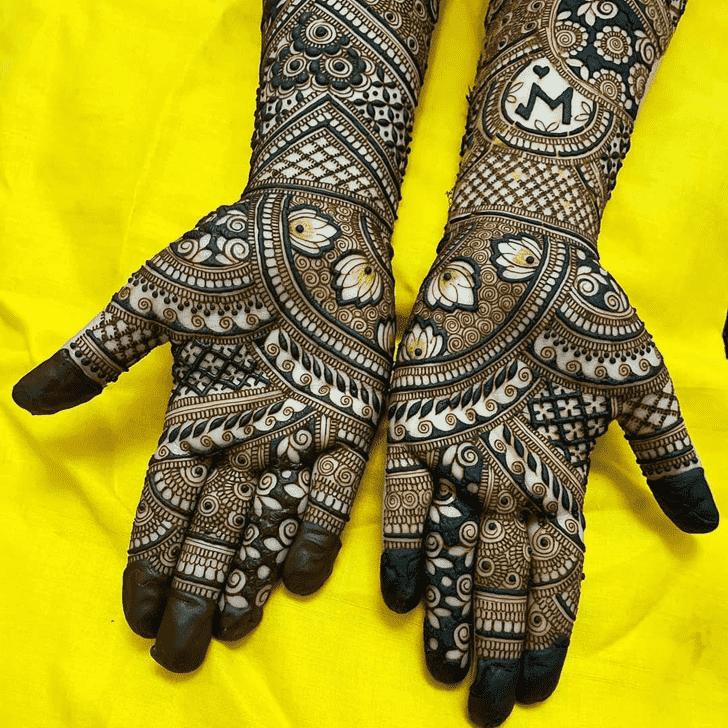 Stunning Tiruchirappalli Henna Design