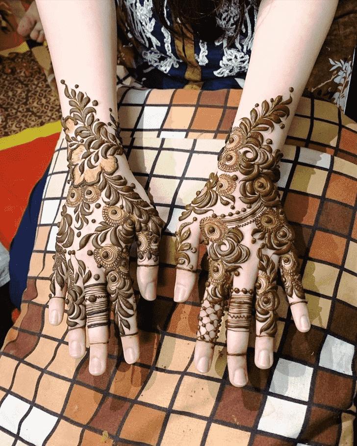 Radiant Unique Henna Design