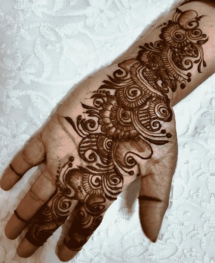 Refined Unique Henna Design