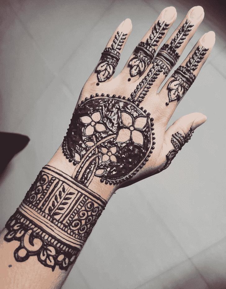 Alluring Vadodara Henna Design
