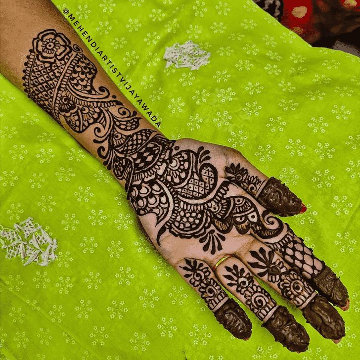 Captivating Vadodara Henna Design