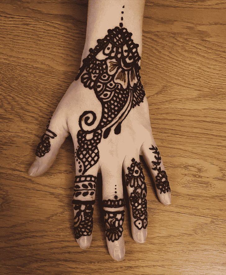 Enticing Vadodara Henna Design